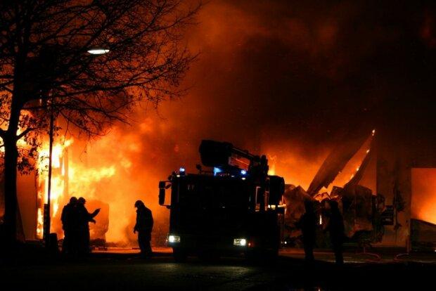 Пожар, фото из свободных источников