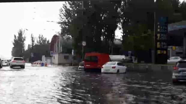 Потоп в Днепре, фото: скриншот из видео