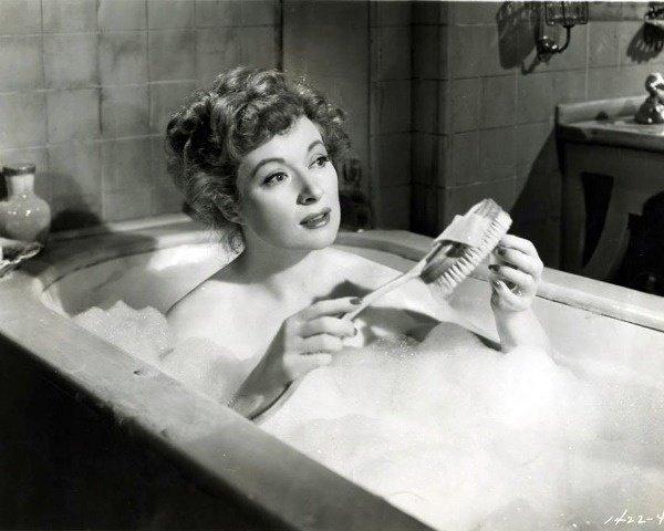 Золоте правило купання: скільки часу можна ніжитися у ванні
