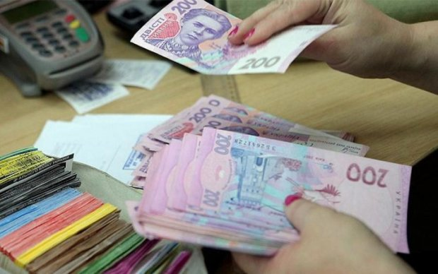 Украинцам насчитали миллиардные зарплаты. Осталось их получить