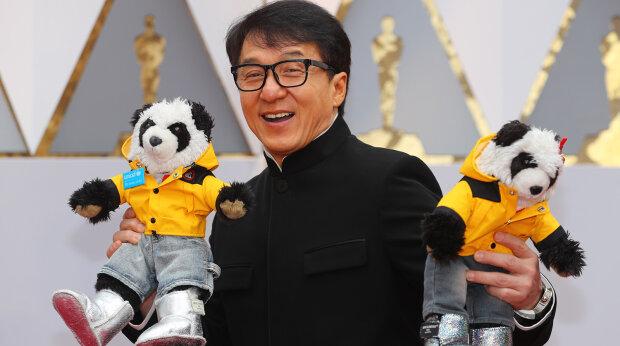 Джекі Чан пообіцяв заплатити 1 млн за вакцину від коронавірусу