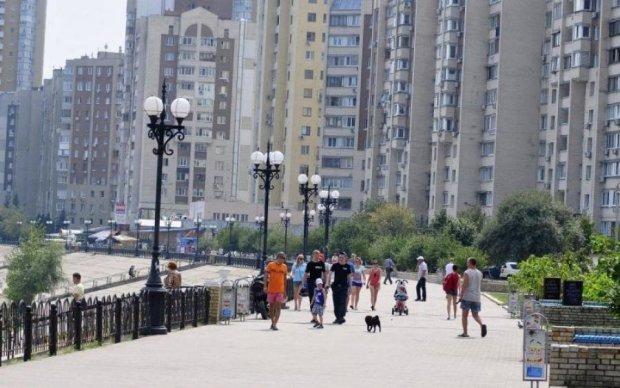 Взимку без тепла і світла: Київ опинився на межі катастрофи