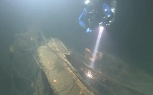 Затонувший корабль, кадр из видео
