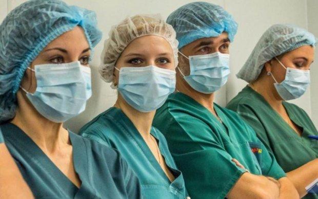 Трудовая миграция: как поляки заманивают украинских медиков