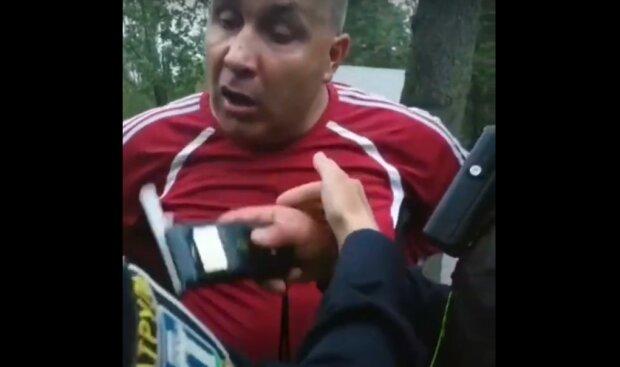 П'яний хабарник у Рівному притоптав поліцейського під час алкотесту і той заговорив віршами