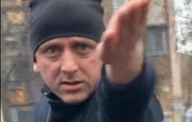 В Киеве банда в черном обчистила онкобольную, циничная афера попала на камеру