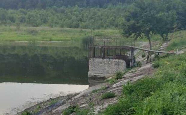 На Тернопільщині ставок став могилою для двох друзів - батьки ридають, копи підозрюють недобре