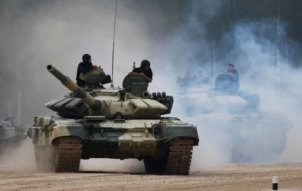 Тисячі танків, літаки і кораблі: в Росії стартували наймасштабніші за півстоліття військові навчання