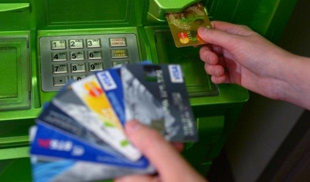 Вестибюлі метро обладнають банкоматами найбільшого держбанку
