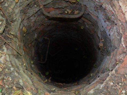 Пастка всередині колодязя: під Києвом троє чоловіків загинули за дивних обставин