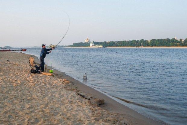 Золотой улов: рыбак поймал на удочку настоящее сокровище, безбедная жизнь обеспечена