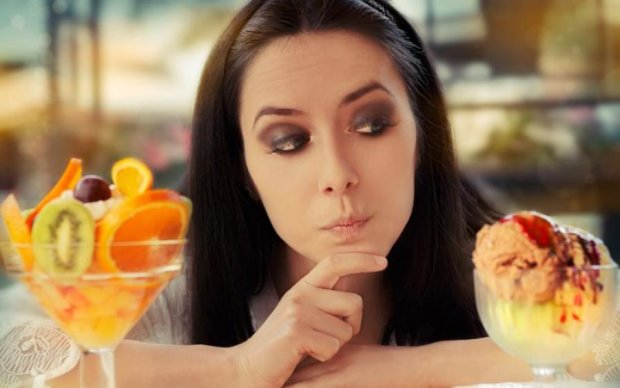 Дієтологи розповіли, що заважає правильно харчуватись