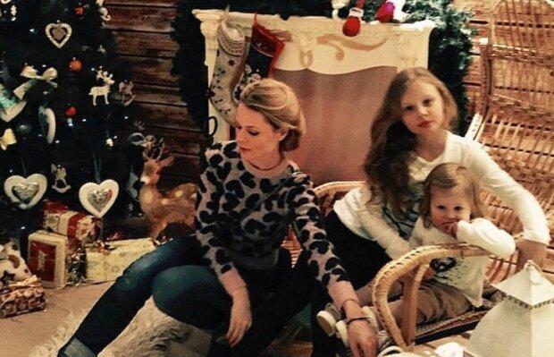 """Оля Фреймут зарядила мережу сімейним теплом, Новий рік близько: """"Тільки хороші емоції"""""""