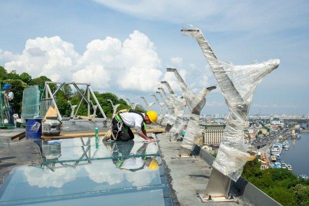 строительство моста на Дружбы народов