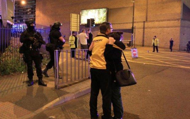 Опубликованы первые фото с места взрыва в Манчестере