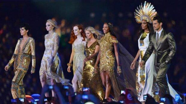 Модный показ, кадр из видео