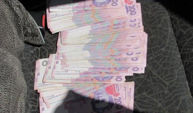 Одесских чиновников поймали на взятке  400 тыс. грн
