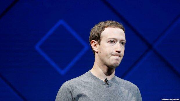 Facebook слила пароли пользователей