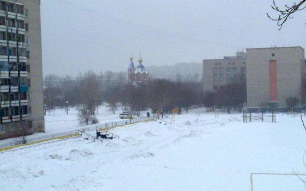Поки ти шукав літні речі, в Росії випав сніг