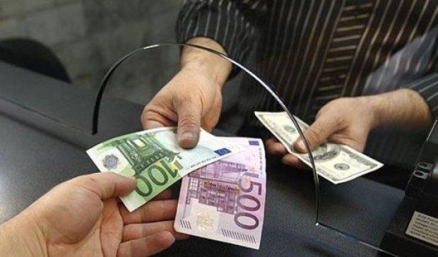 Гривна начала расти в цене на валютном рынке