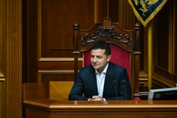 Зеленський підписав закон про зняття депутатської недоторканності: перші подробиці