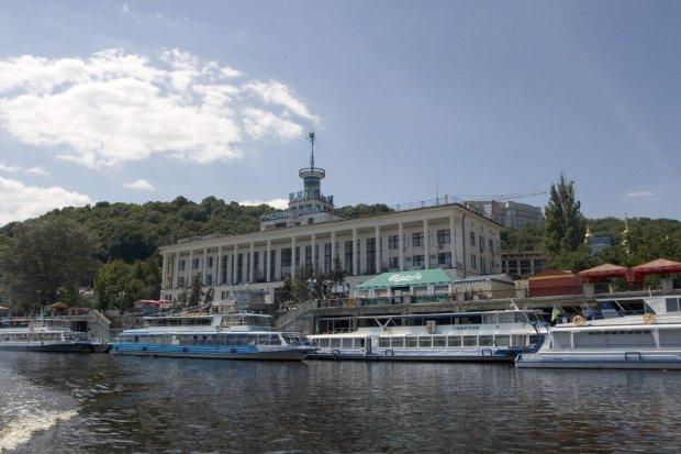 Киянам передумали повертати річковий порт: що з'явиться на його місці
