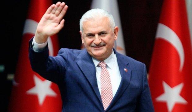 Анкара пригрозила жестокой реакцией за выдворение министра