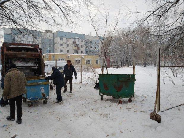 """У """"ДНР"""" будівлі руйнуються під вагою снігу: число жертв зростає"""
