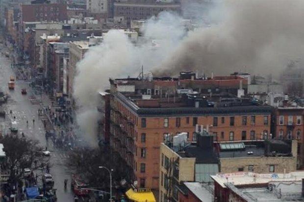 У Нью-Йорку обвалились три будинки через вибух газу