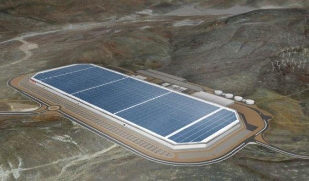 """""""Тесла"""" відкриє найбільший в світі завод"""