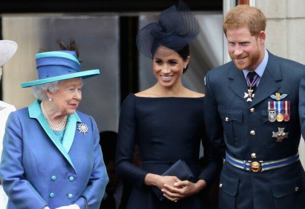 Єлизавета ІІ попросила принца Гаррі і Меган Маркл про останню послугу