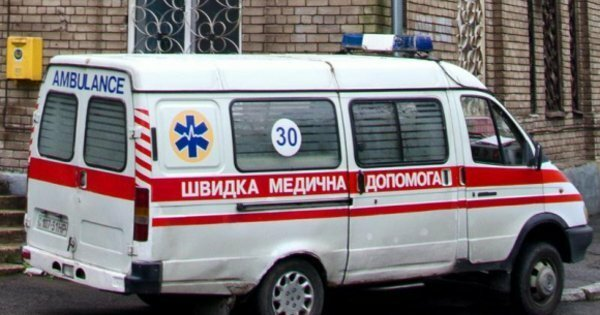 Маленького тернополянина накачали водкой, спасали в больнице: зашел поколядовать