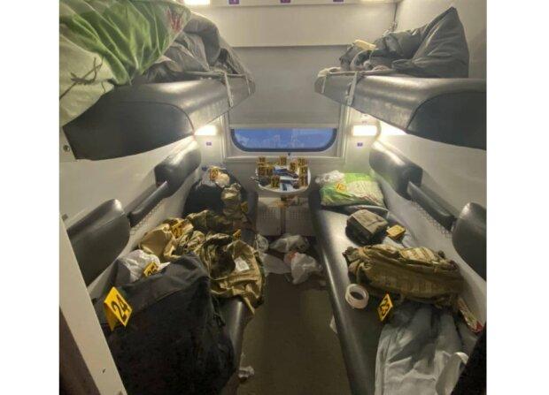 Под Харьковом неадекваты в погонах открыли огонь в поезде: десятки людей внутри