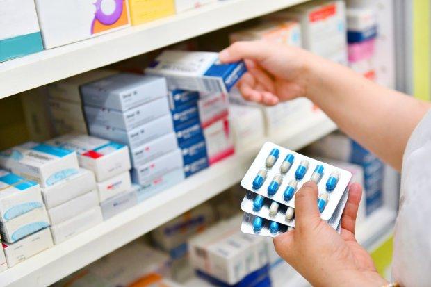 Дешевые аналоги лекарств: фармацевт объяснила, кому можно доверять