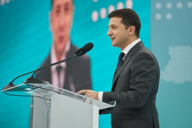 Зеленський назвав головні етапи для досягнення миру: за яких умов на Донбасі припинять стріляти