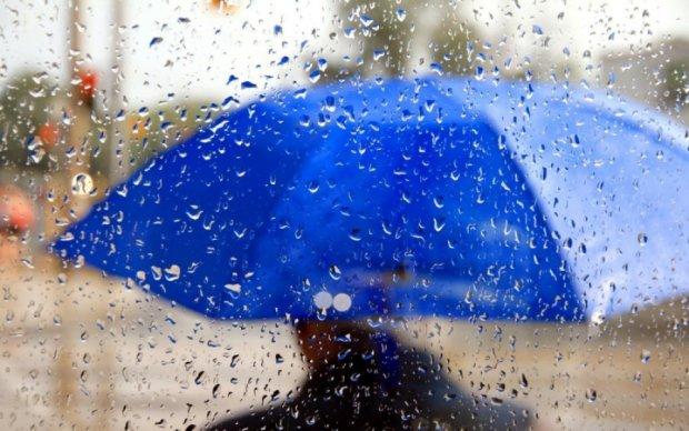 """Погода """"порадує"""" дощами з грозами та шквальним вітром"""