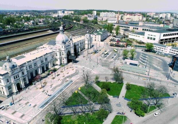 Фонтан возле львовского вокзала откроют осенью - Садовый ждёт выборов