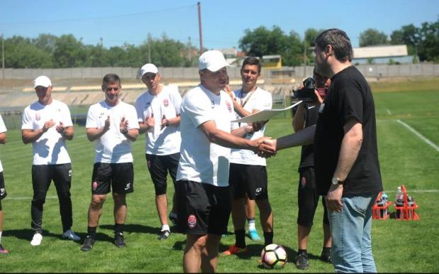 Луганском футбольному клубу сделали ценный подарок