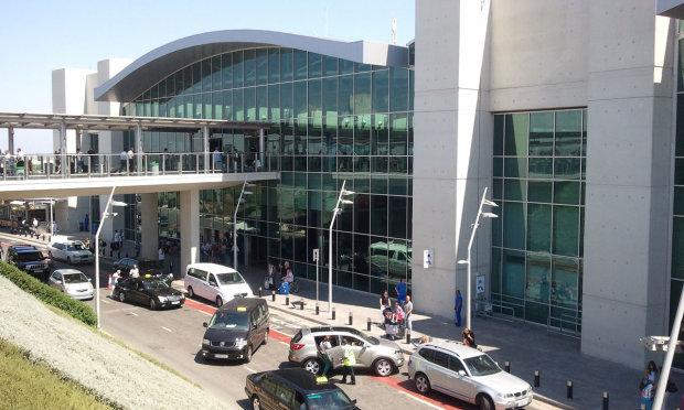 аеропорт Ларнаки
