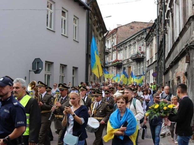 Беженцы или мигранты? Что в Чехии и Польше думают об украинцах, и откуда взялся конфликт