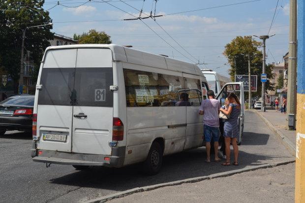 """Разъяренный маршрутчик захватил украинцев в плен: """"Плевать я хотел на вашу полицию"""""""