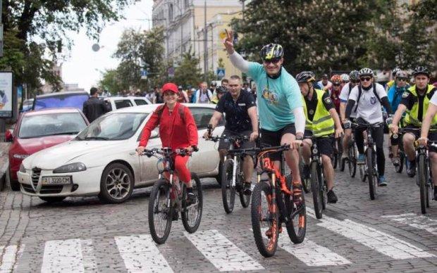 Виталий Кличко принял участие в Велодне в Киеве