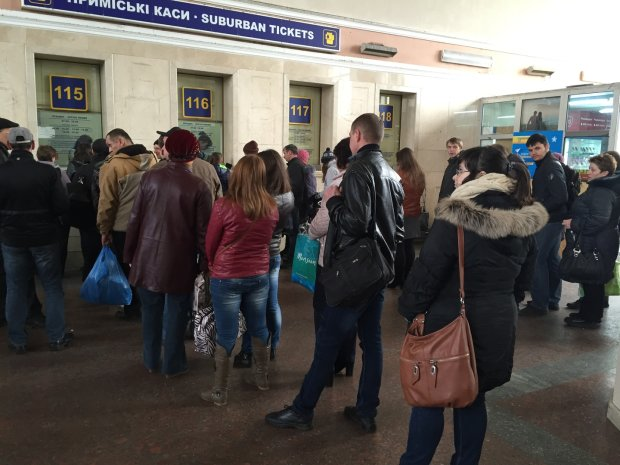 Укрзализныця добавила на праздники почти 50 поездов: куда едем