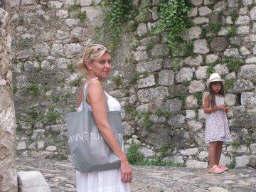 Елена Зеленская с дочерью Александрой