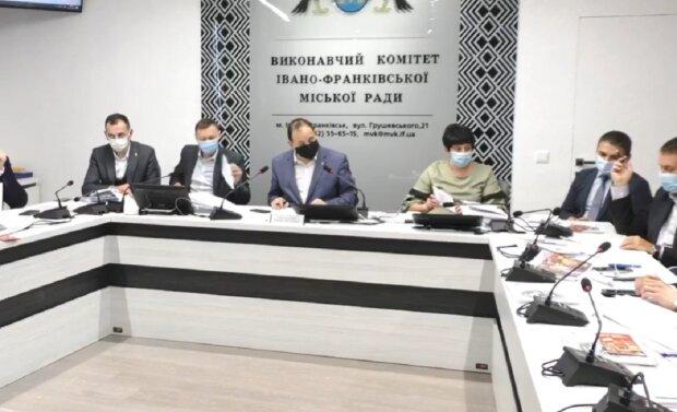 Скріншот засідання міської ради Івано-Франківська, зображення ілюстративне: Facebook