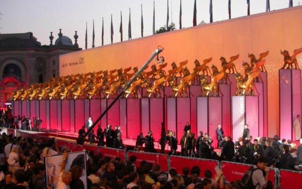 Зірки Голлівуду засяяли на відкриття Венеціанського кінофестивалю
