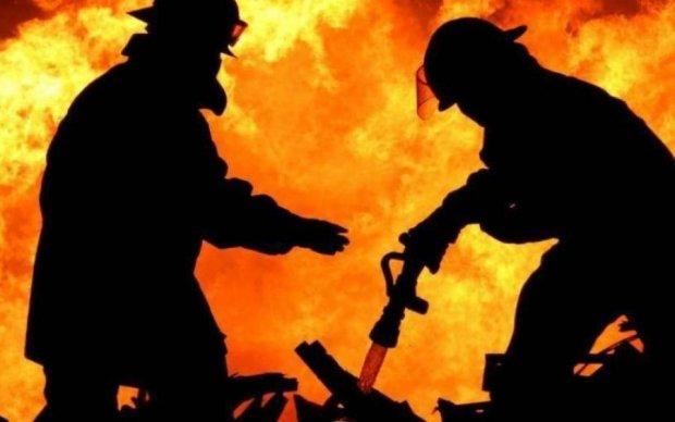 Стовпи диму і паніка: в українському мегаполісі щось відбувається