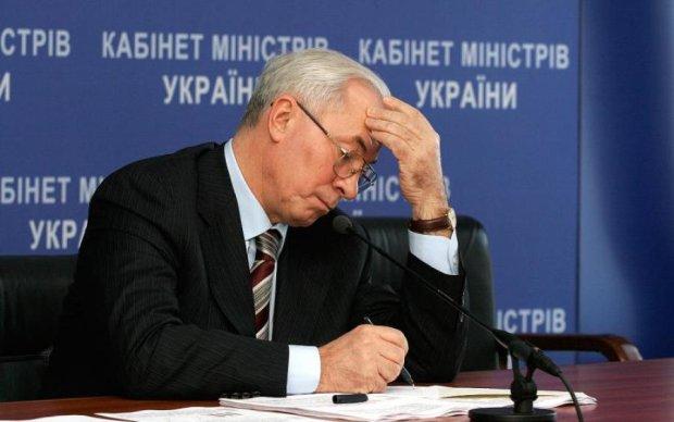 Елка, кровосиси, зрада и перемога: лучшие мемы Украины времен независимости