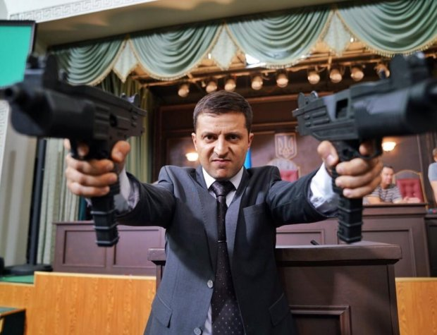 Зеленський розділив Україну на два табори: одні носять Квартал 95 на руках, інші - плачуть за Вакарчуком