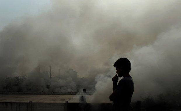 Киевлян призвали закрыть все окна и не выходить на улицу: столица на грани катастрофы